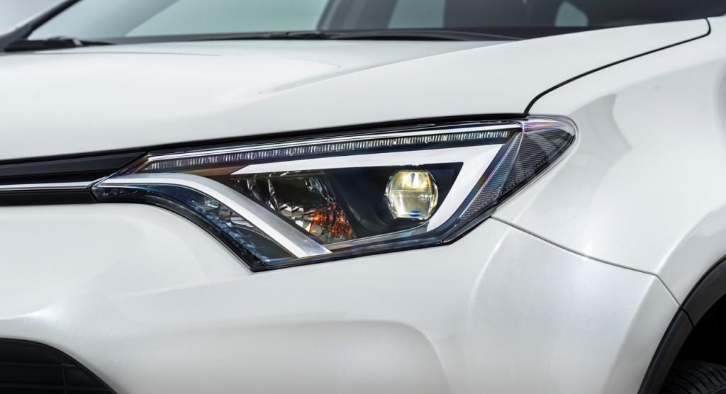 Projecteur Bi-LED de Toyota RAV4 hybride