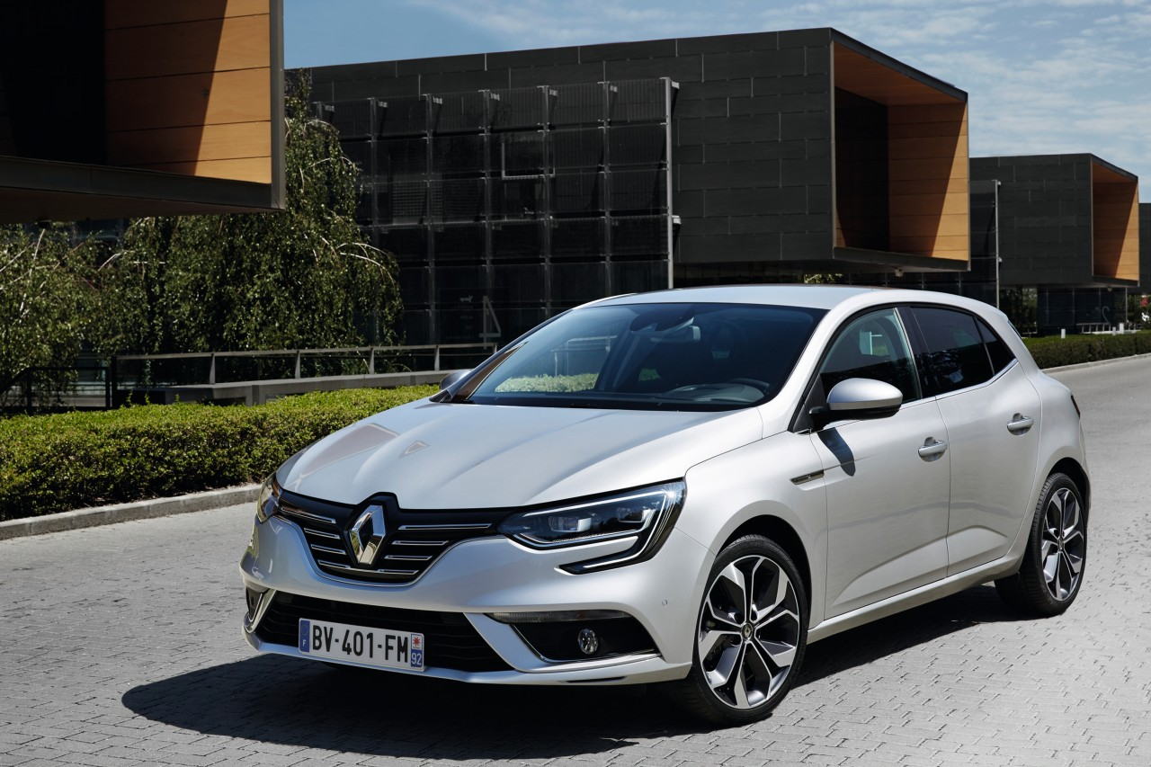 renault commercialisera sa premi re voiture hybride diesel d but 2017 toujours low cost