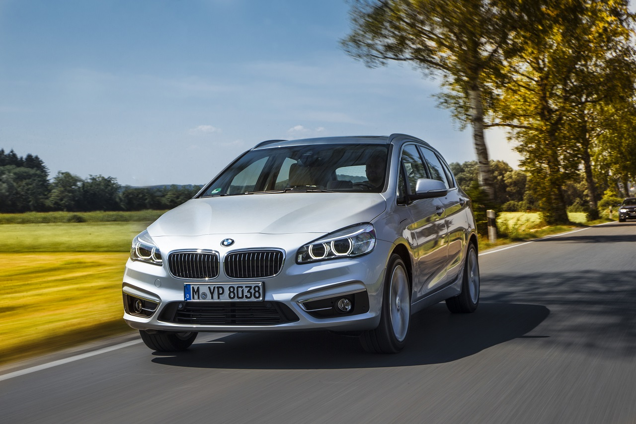 BMW dévoile son nouveau monospace hybride rechargeable 225xe : le premier en Europe