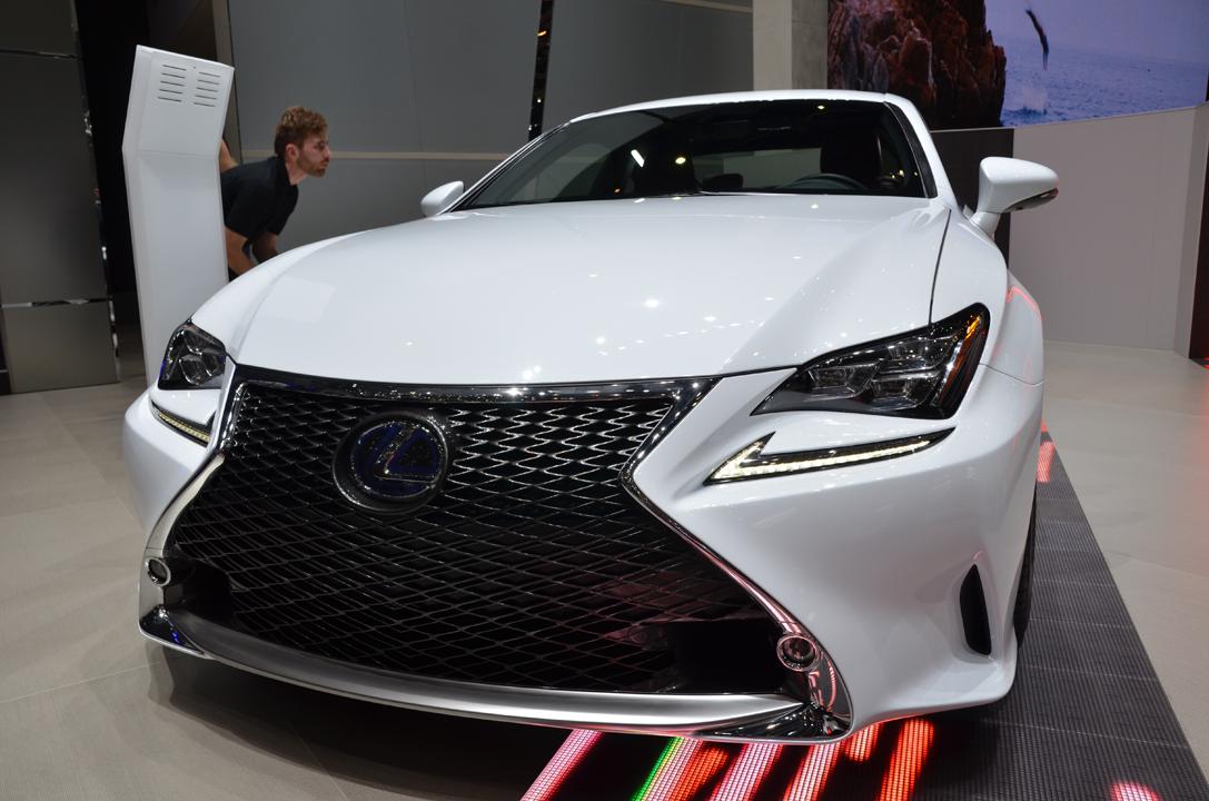 Lexus dévoile les tarifs de la RC 300h
