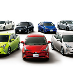 Toyota dévoile le tarif japonais des Prius 4 2016