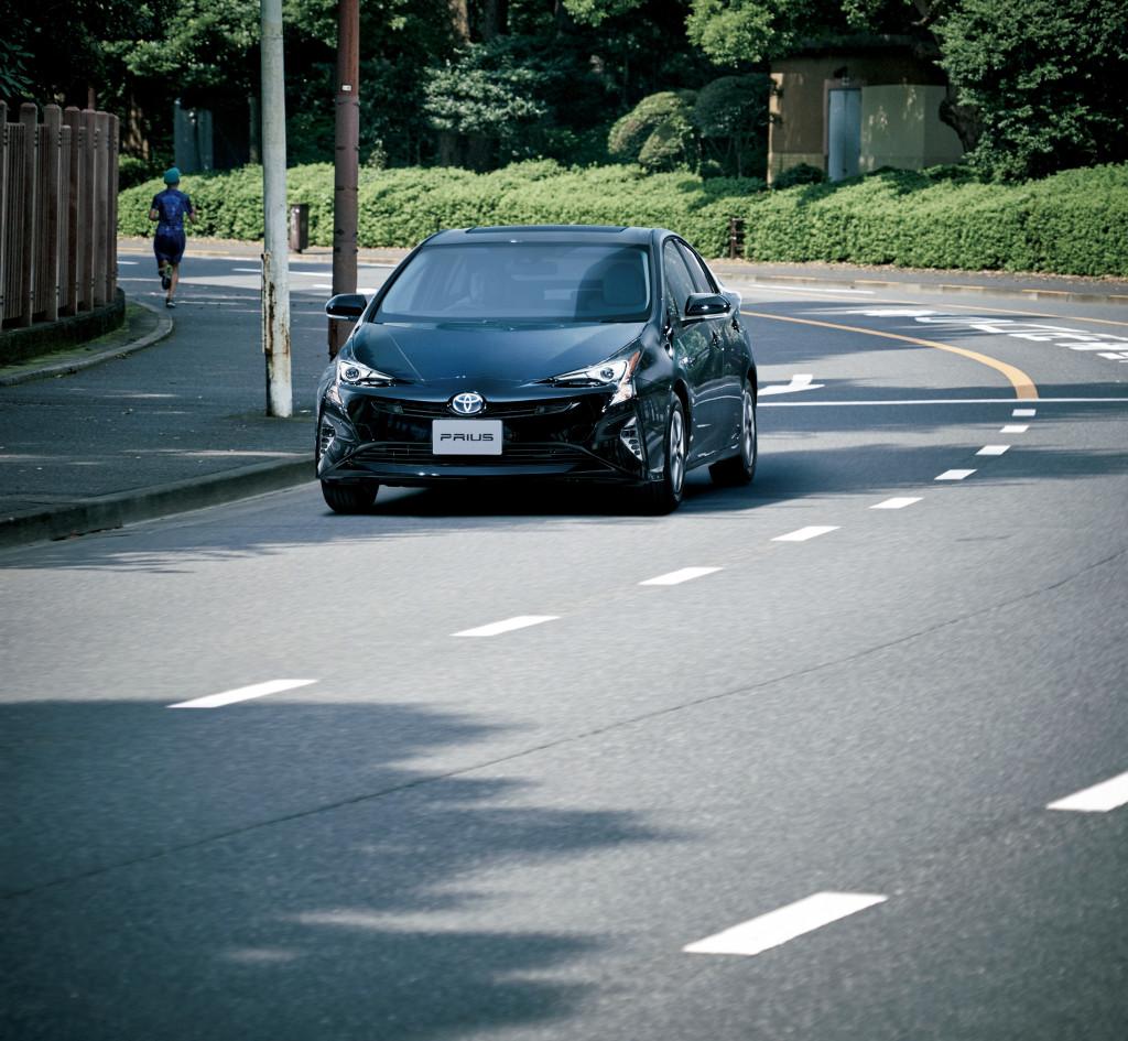Toyota_Prius_4_2016_Couleur_Noire