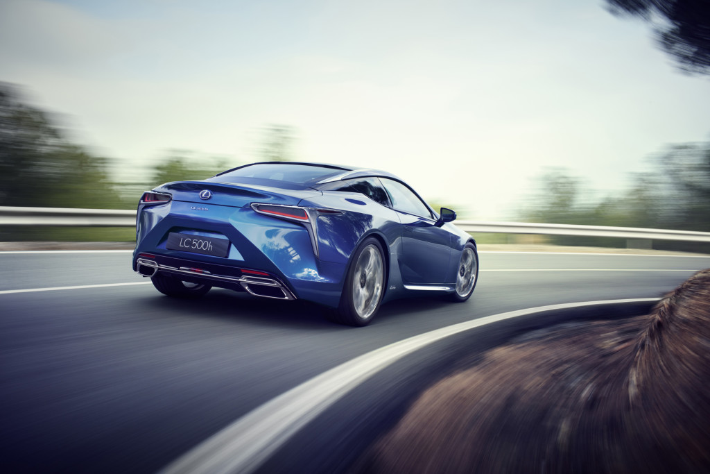 Lexus LC 500h comportement routier