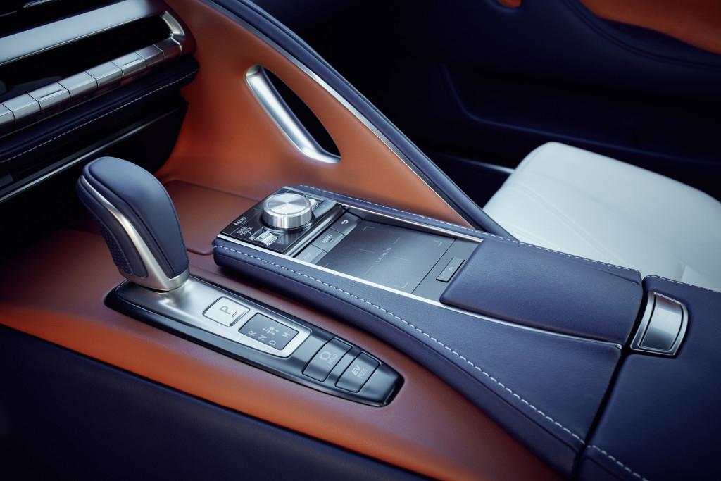 Lexus LC 500h levier de vitesse