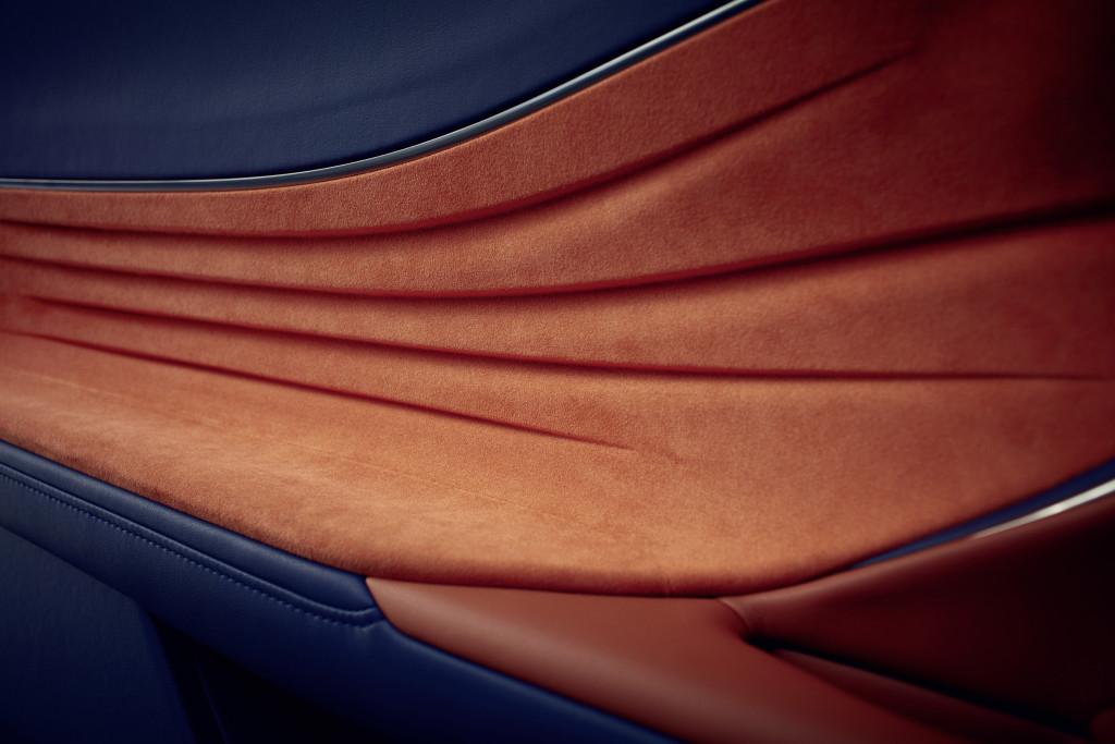 Lexus LC 500h portière cuir