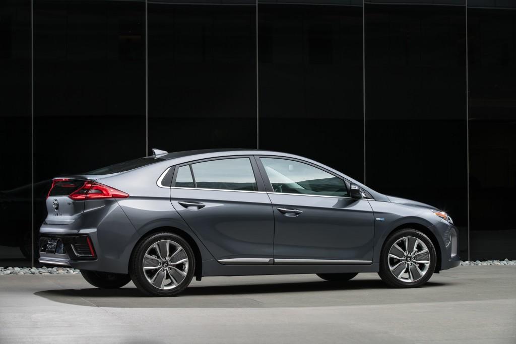 Hyundai Ioniq hybride 2017 profil aérodynamique