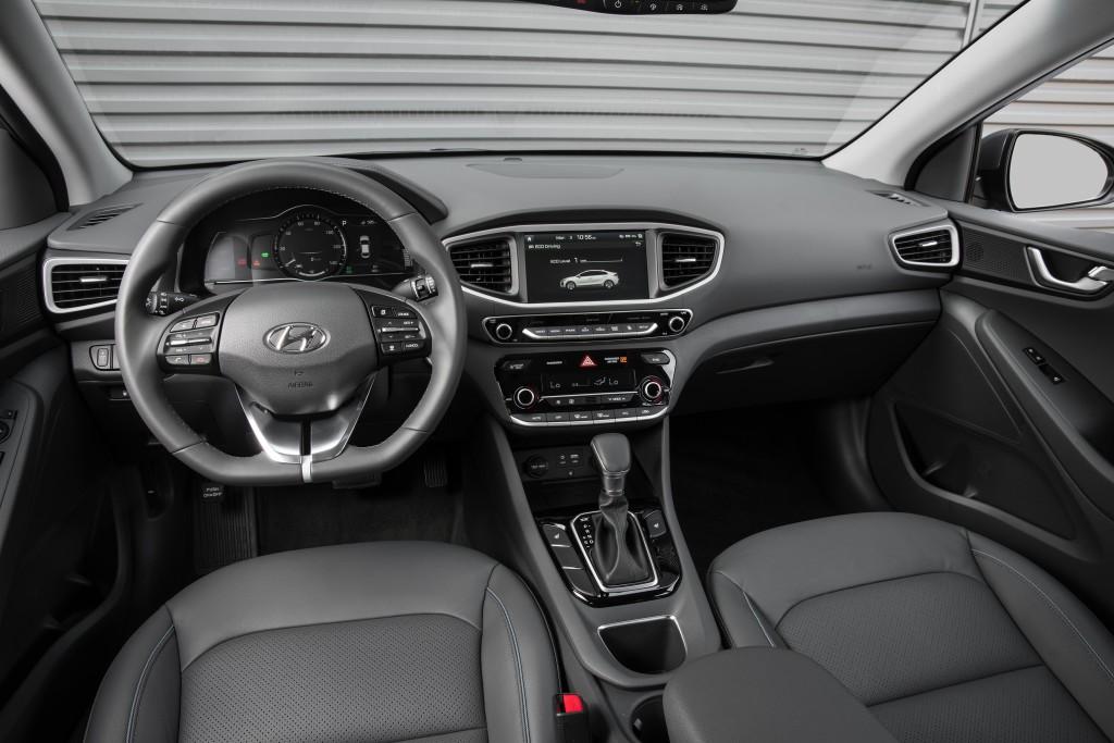 Hyundai Ioniq 2017 tableau de bord