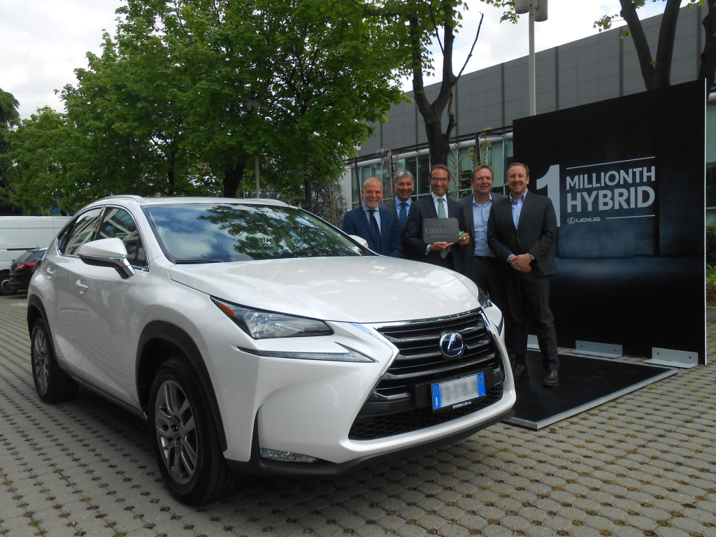 Lexus_1_million_voitures_hybrides
