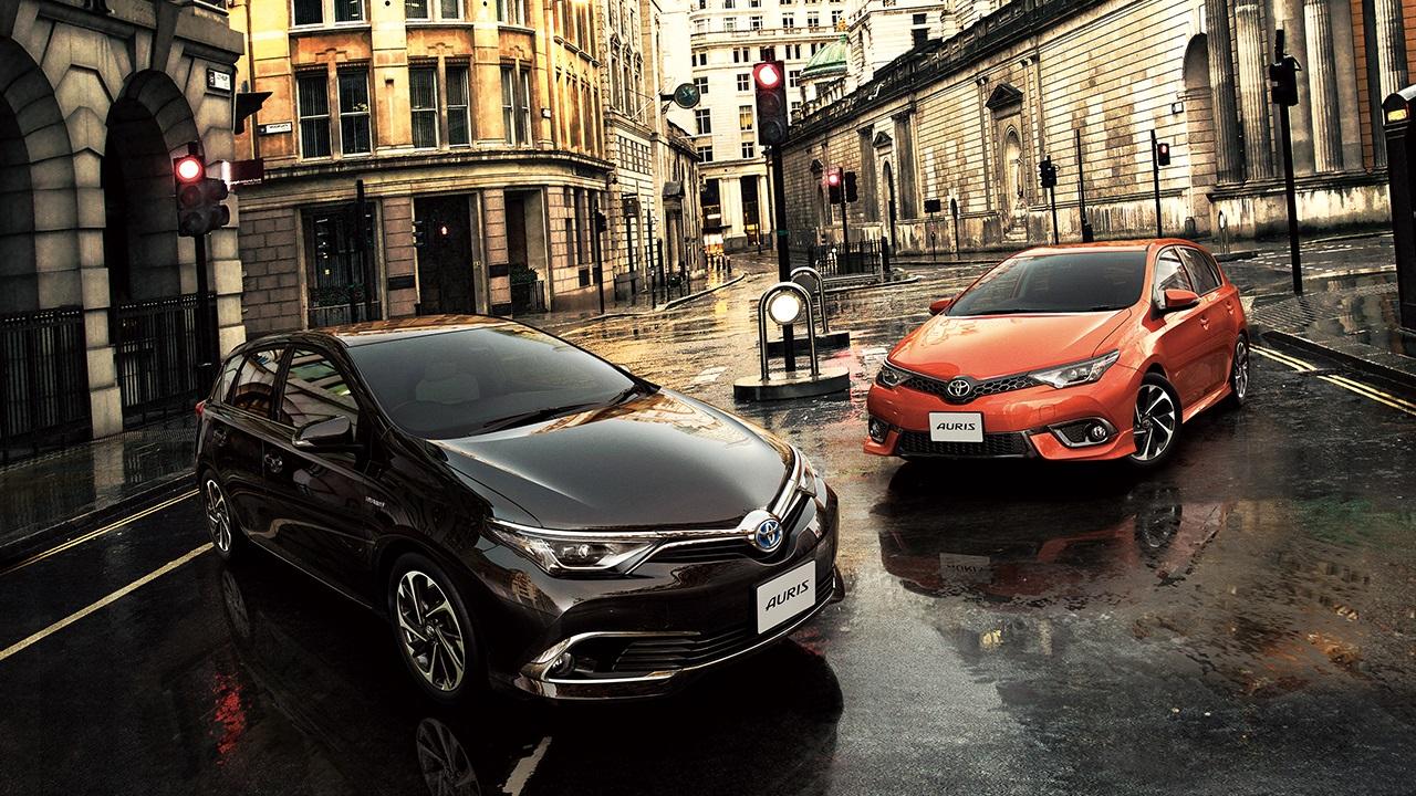 Toyota Auris hybride débarque au Japon