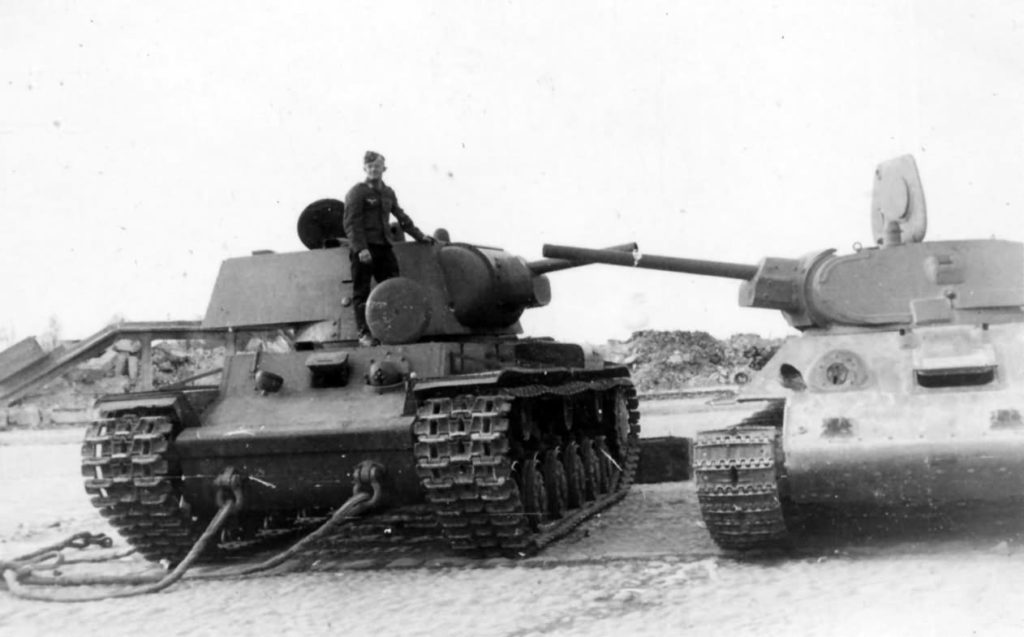 Char russe KV-1 et T34