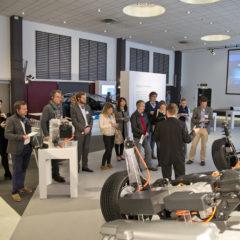 PSA hybride rechargeable : 300 Ch et 60 Km d'autonomie !