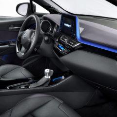 Toyota C-HR hybride intérieur : la sophistication au grand jour