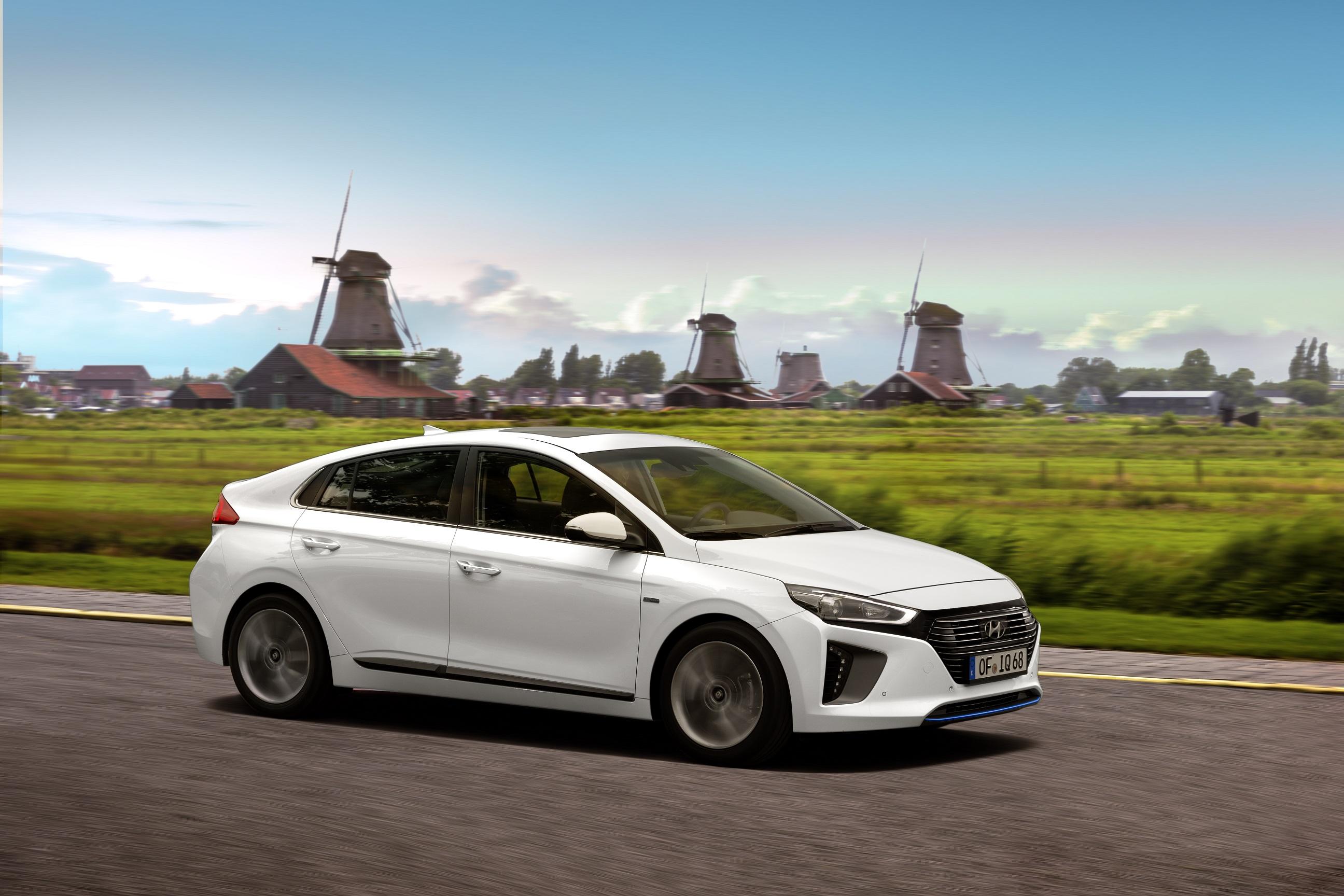 Hyundai Ioniq Hybrid et Electric : les tarifs et équipements dévoilés
