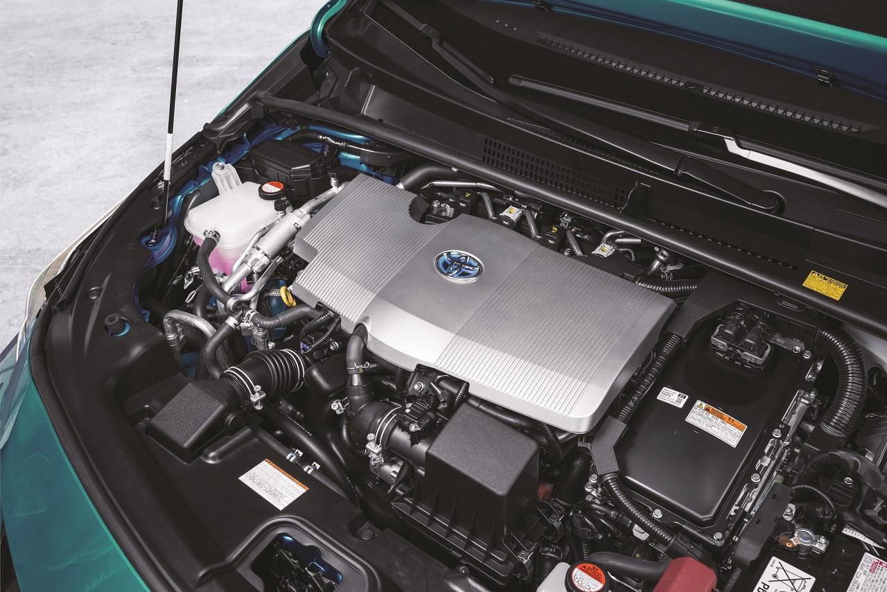 prius-plug-in-2016-moteur