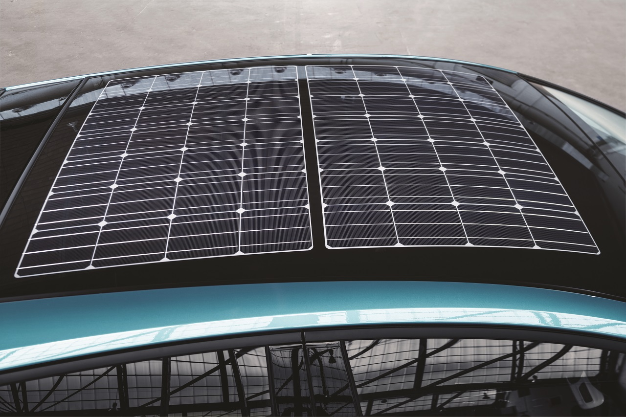 prius-plug-in-europe-panneau-solaire