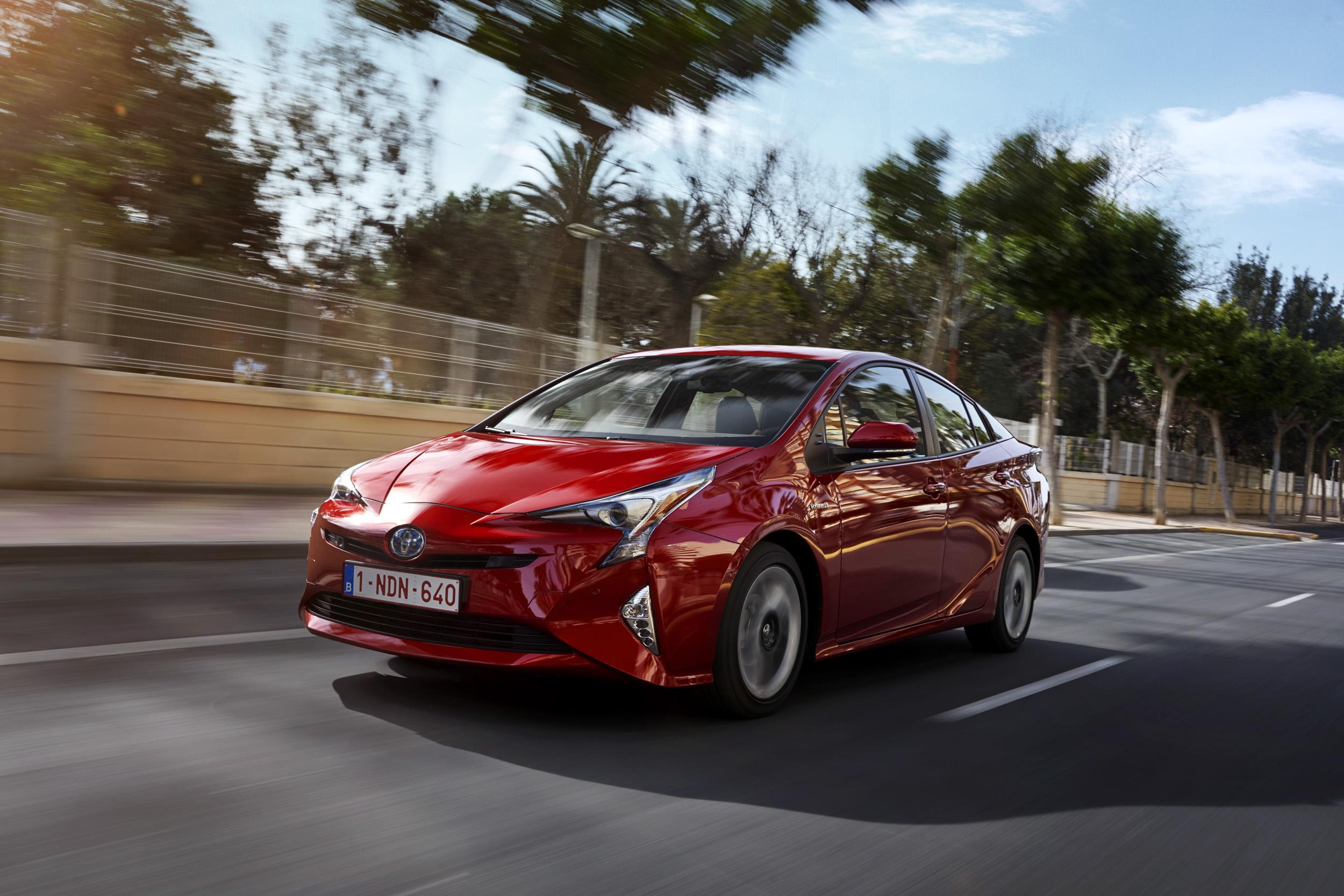 Toyota Prius 4 : une voiture hybride presqu'électrique ?