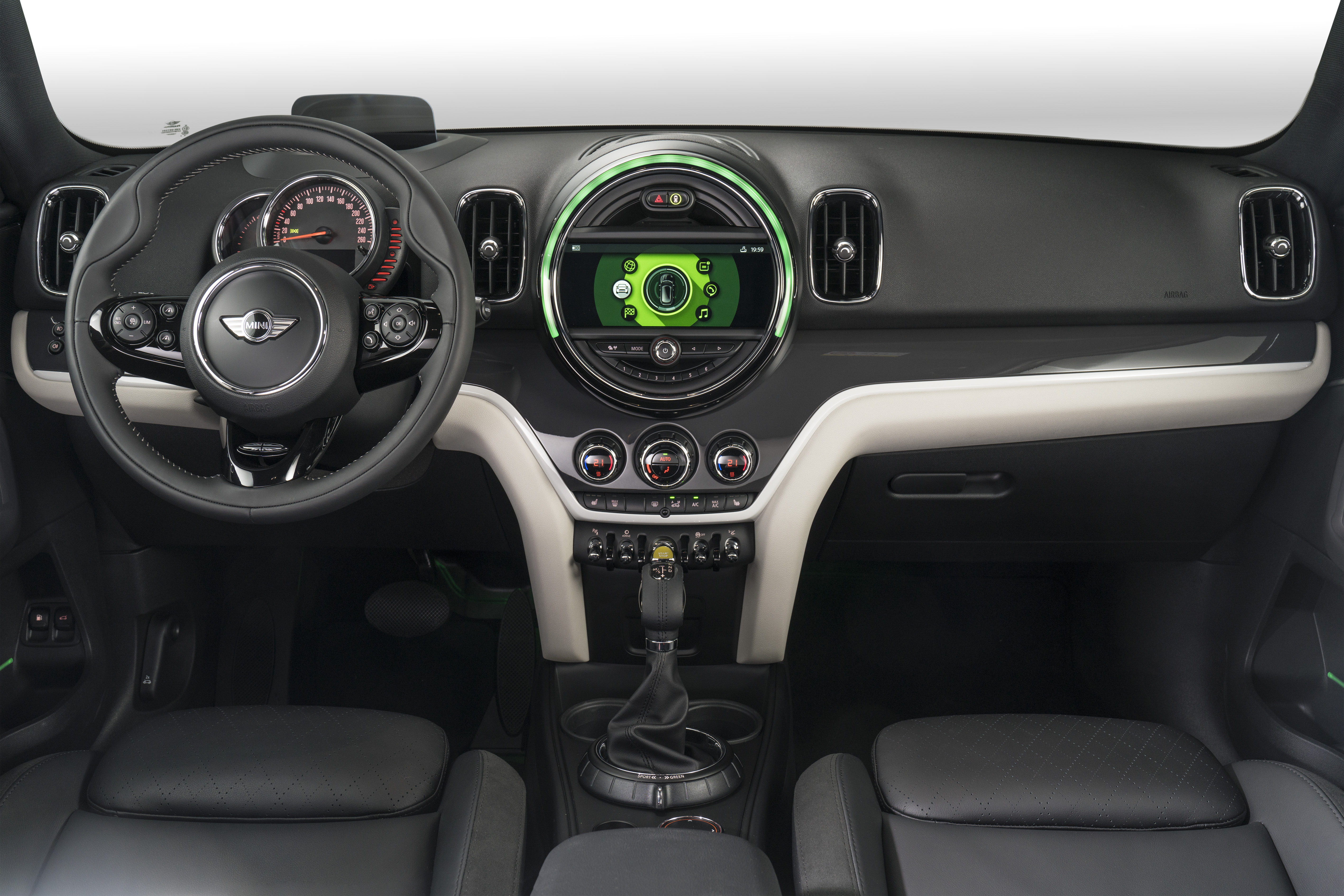 mini-cooper-hybride-rechargeable-interieur