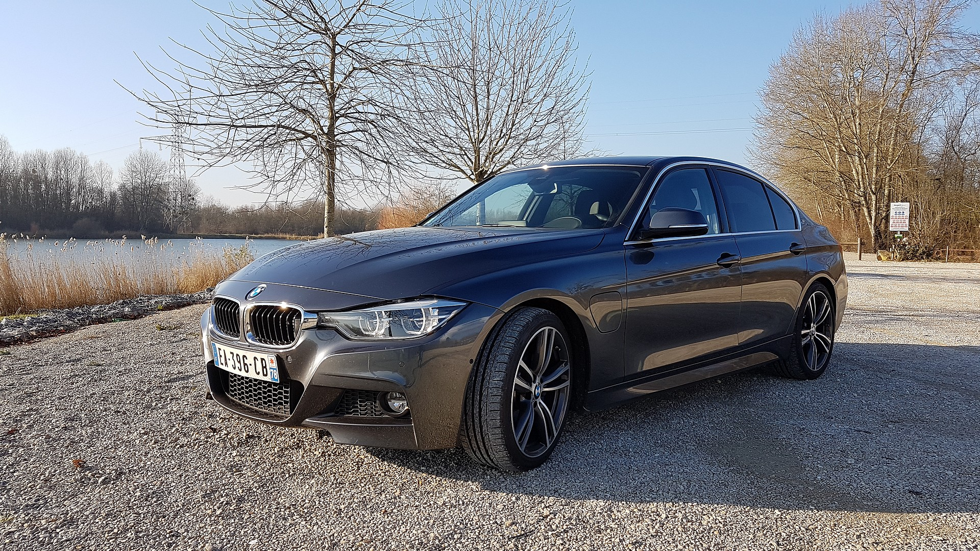 Essai BMW 330e : la discrète qui cache bien son jeu