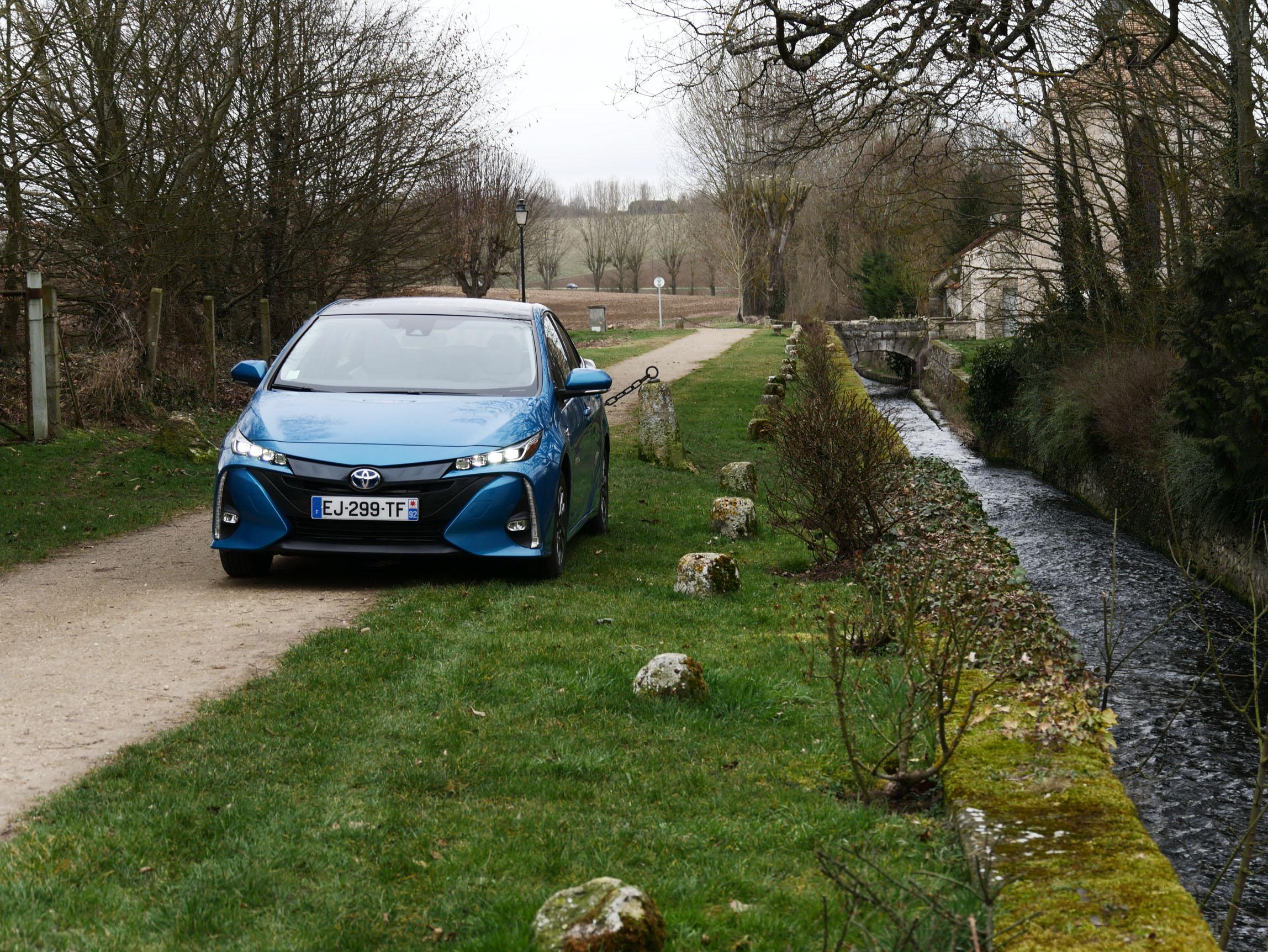 Essai Toyota Prius 4 Rechargeable : l'hybride électrisée !