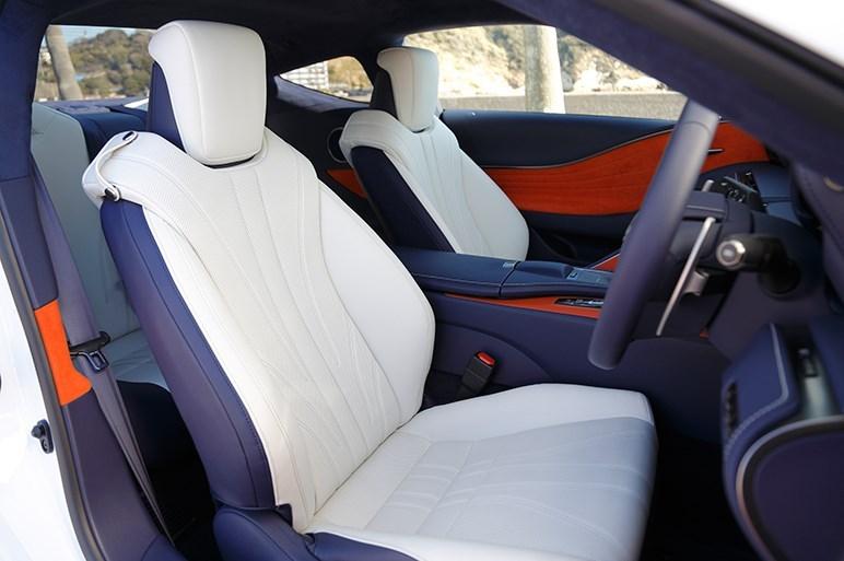 Lexus LC 500h Executive intérieur