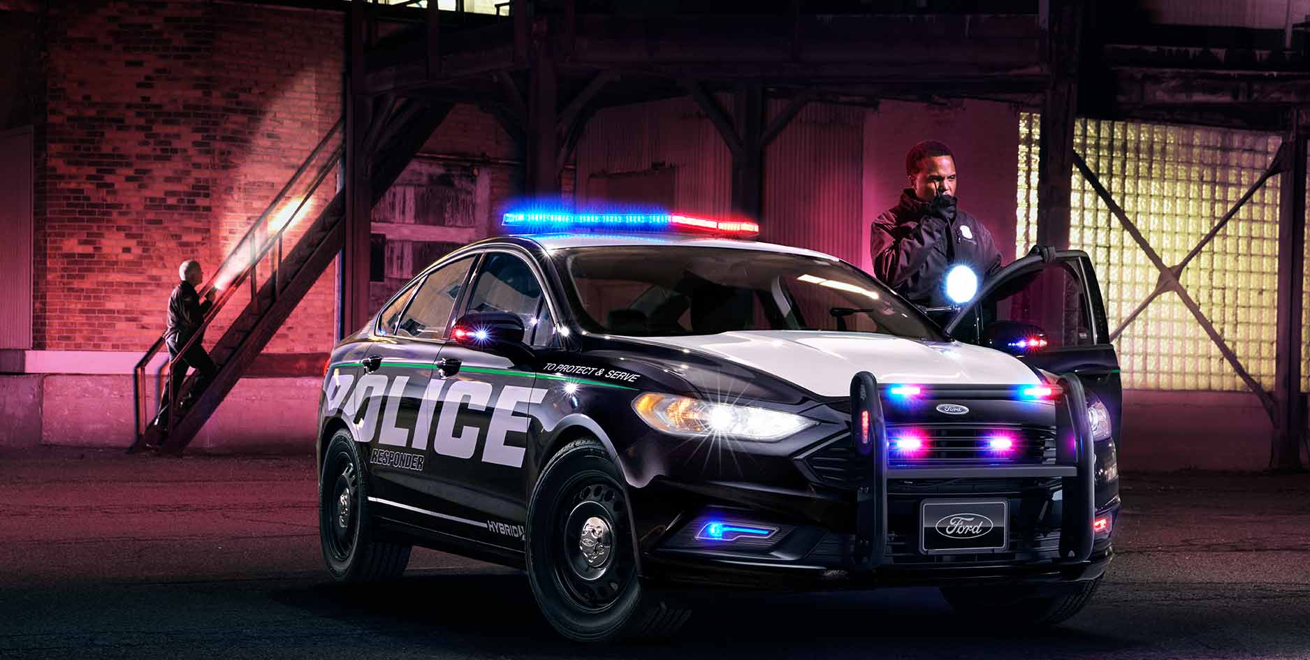 ford police responder la voiture hybride con ue pour les courses poursuites. Black Bedroom Furniture Sets. Home Design Ideas