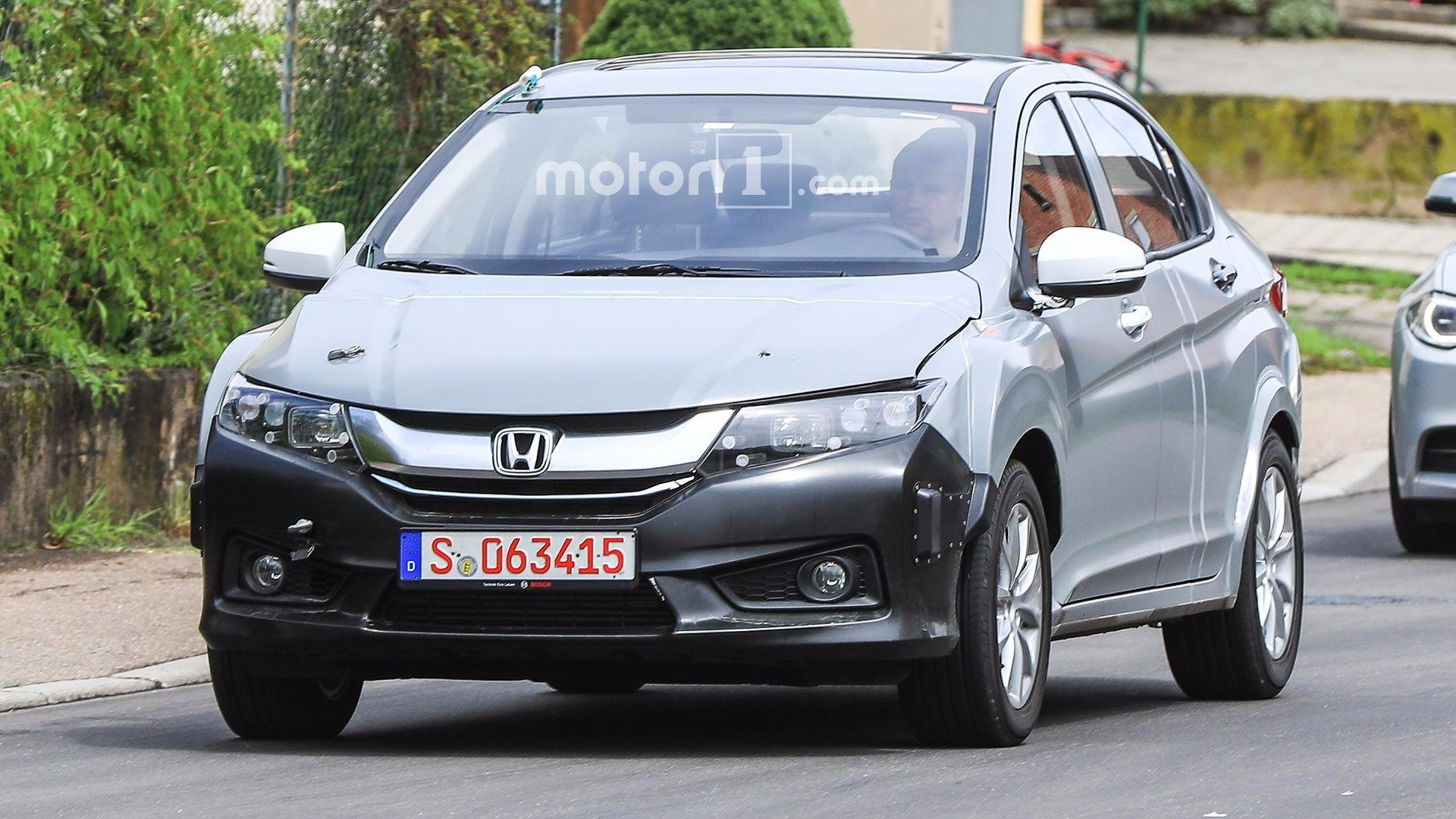 Honda Insight 3 2018 : le spyshot de la revanche?