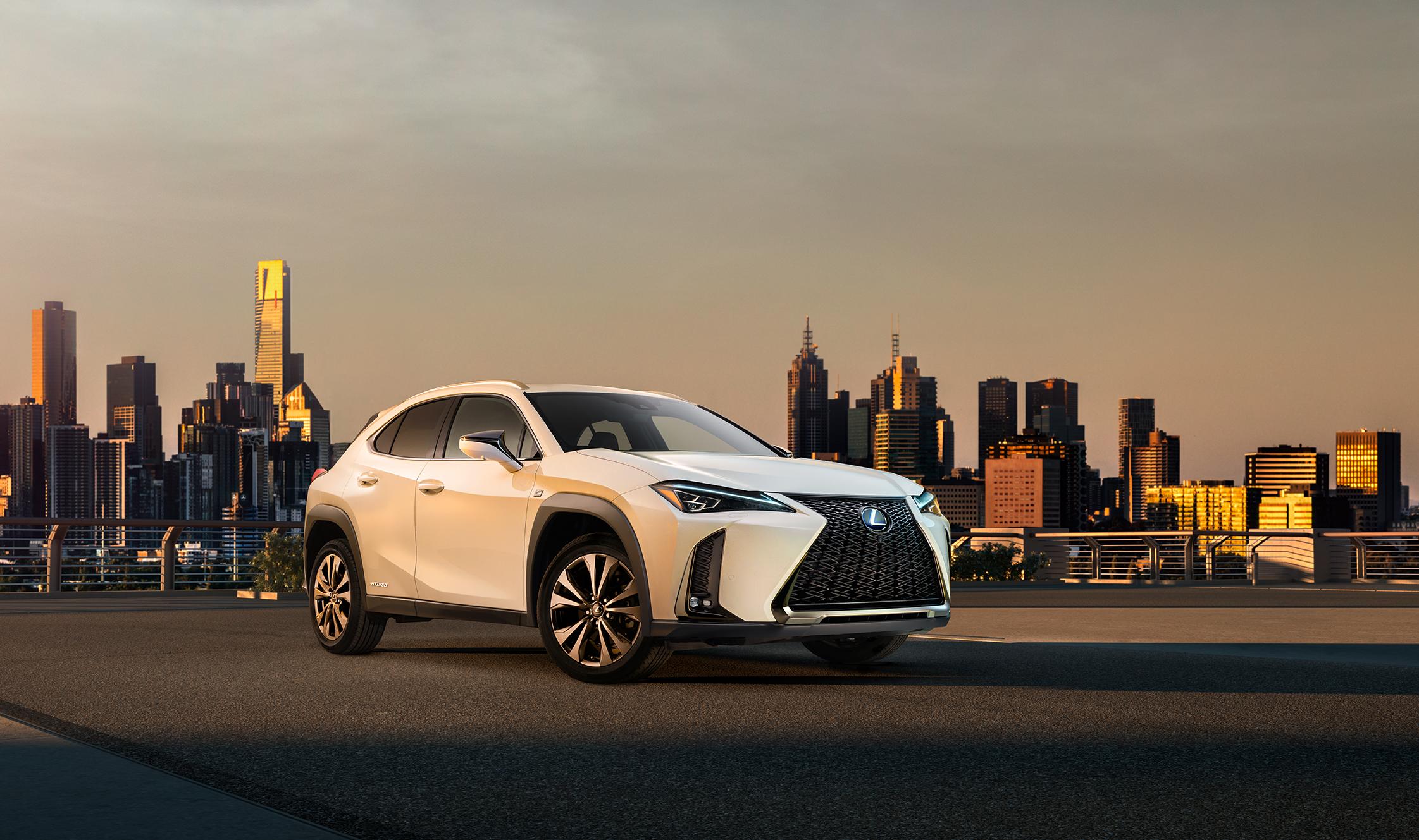 Lexus UX 2018 dévoile son design extérieur et intérieur