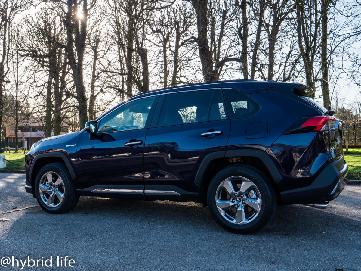 news.hybridlife.org-Toyota-RAV4-2019-3680